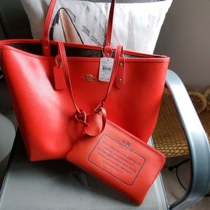 Large red coach city tote reversible